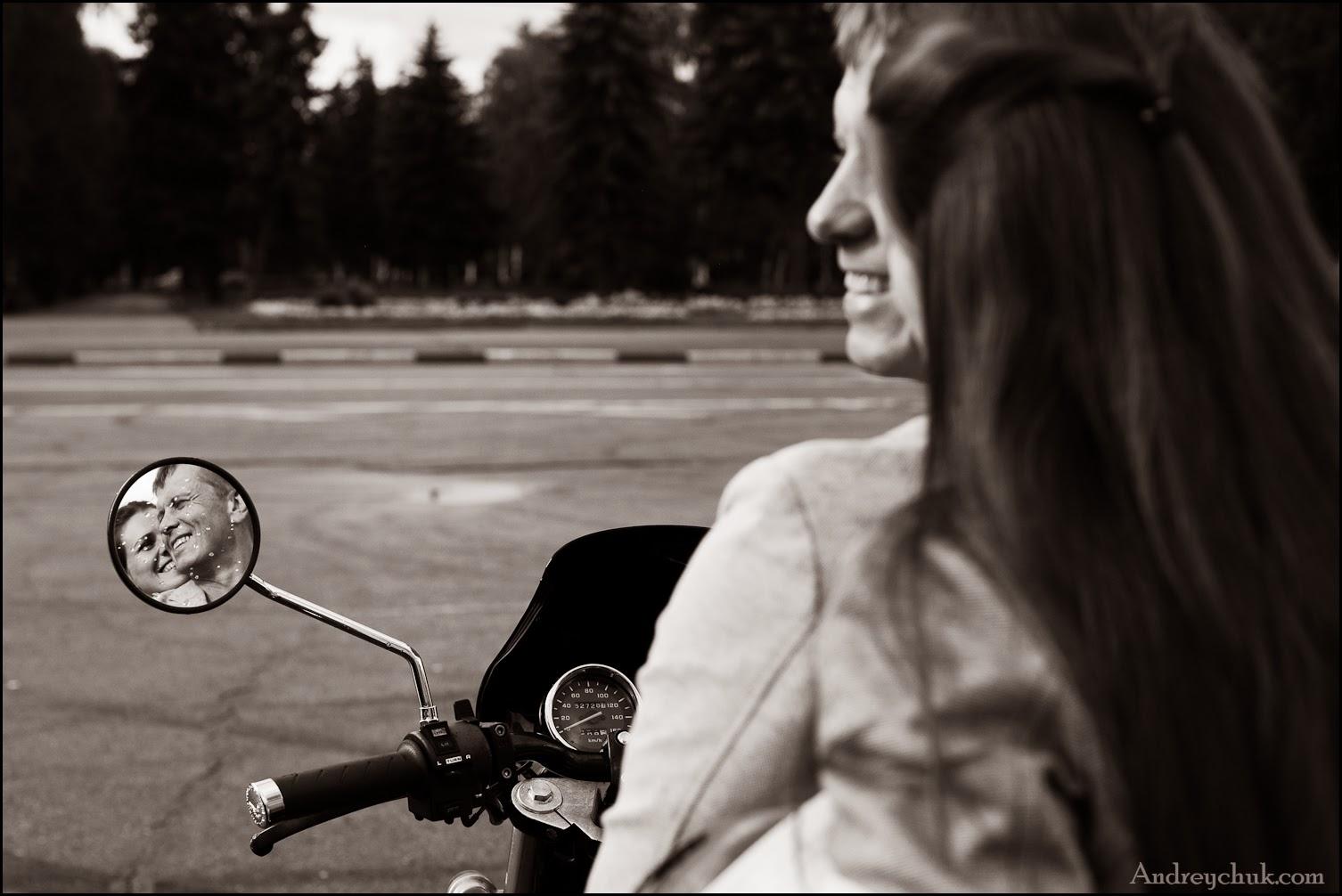 свадебная фотосессия на мотоцикле