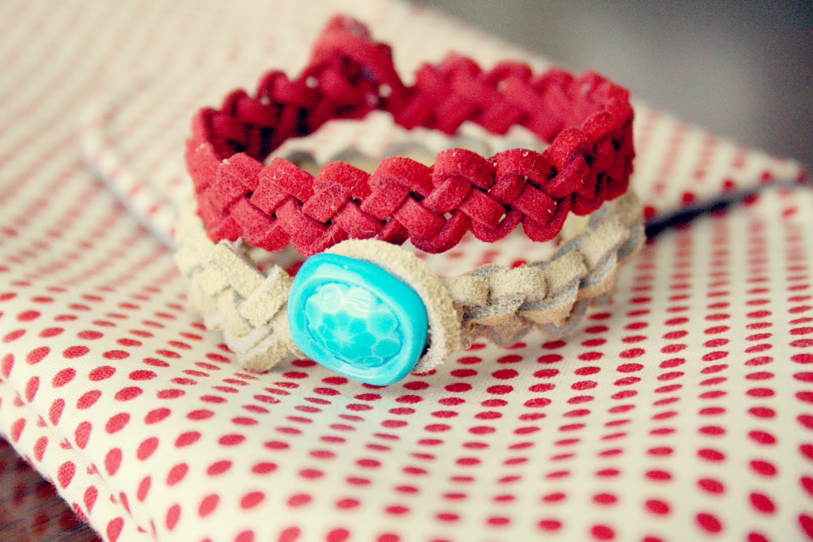 how to make a slip knot on a bracelet