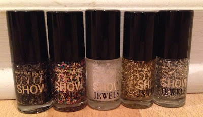 Maybelline, Maybelline Color Show nail polish Jewels Collection, Maybelline Precious Pearl, Maybelline Platinum Adorn, Maybelline Mosaic Prism, Maybelline Gilded In Gold, Maybelline Gleaming Graphite, nails, nail polish, nail varnish, nail lacquer, manicure, beauty giveaway, A Month of Beautiful Giveaways