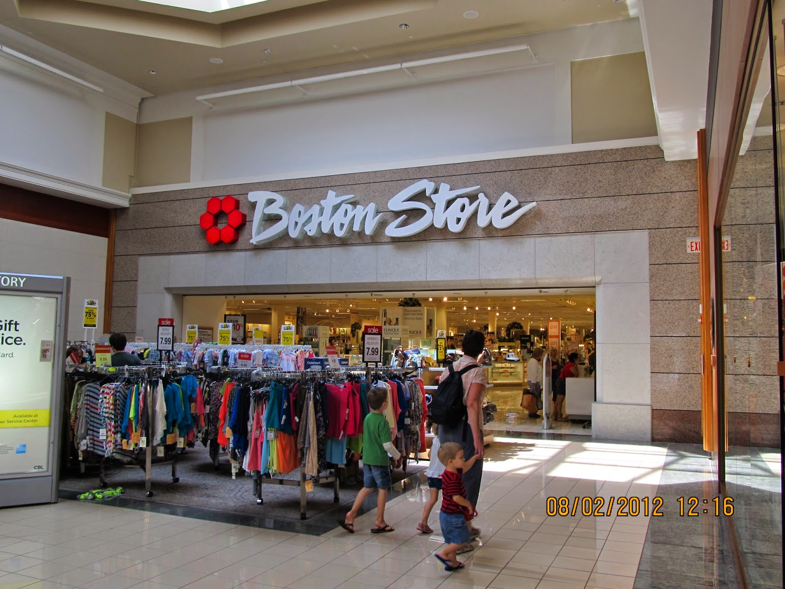 Shopping Valley West Mall 28