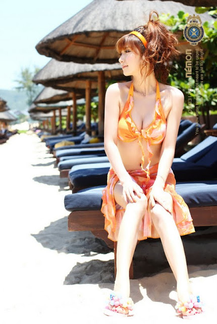 Zhang Shi Qi in Orange Bikini