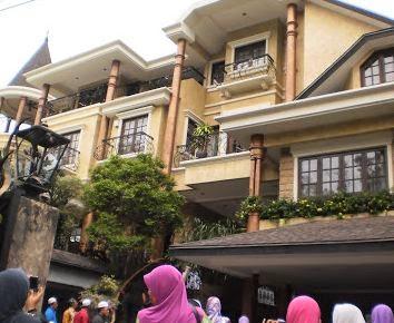 RUMAH SITI NURHALIZA DI MALAYSIA