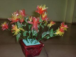 bunga dari limbah plastik