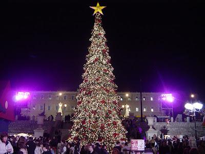 http://4.bp.blogspot.com/-nHl_nECnwDs/Tlf_IFVZvKI/AAAAAAAAAbc/JMIyutpdBtM/s400/Athens_Christmas_Tree.jpg