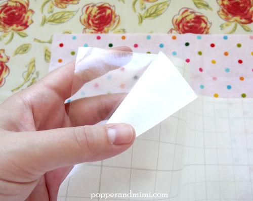 Reusable Fabric Sandwich Bag with Heat-n-Bond vinyl lining | popperandmimi.com