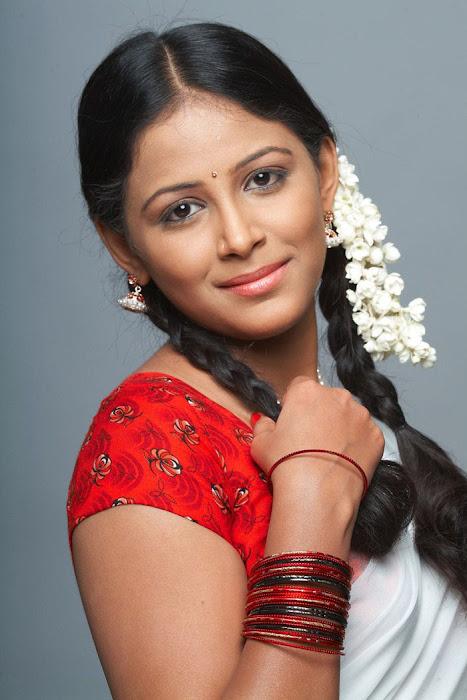 subhiksha spicy in saree photo gallery
