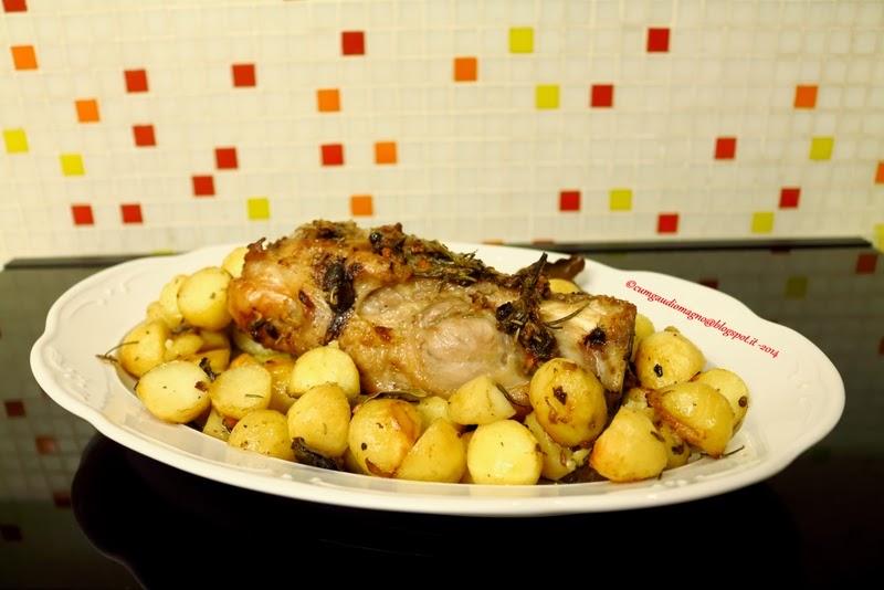 Stinco, maiale, patate novelle