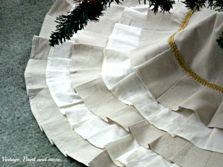 Vintage, Paint and more... handcrafted tree skirt from a drop cloth and a sheet