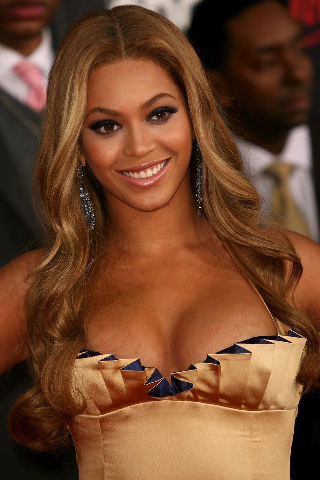 http://4.bp.blogspot.com/-nHxvQtiqwIE/T8sSTqmzyGI/AAAAAAAACZ8/ODzx5S0gHLA/s1600/Beyonce-hot-picture-piccol+(18).jpg