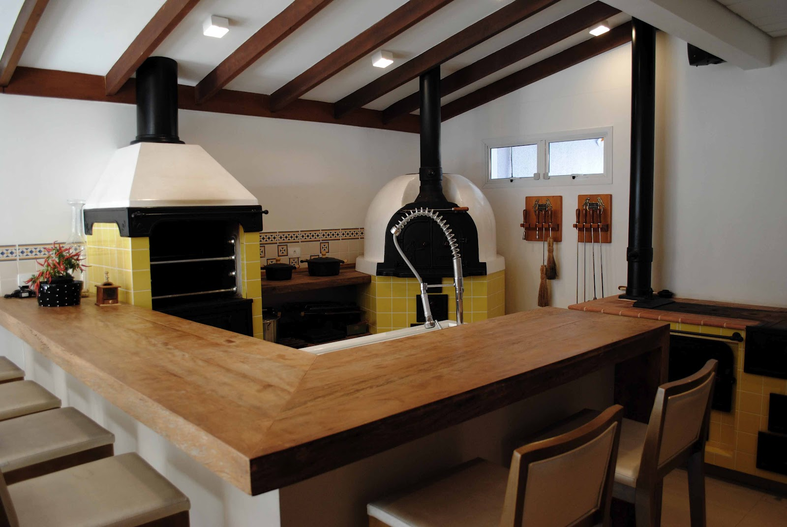 Cozinha Gourmet Com E Fogo A Lenha Ilha Do Espao Gourmet Em Pedra