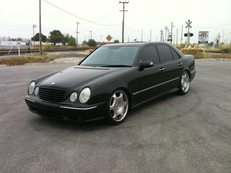 mercedes benz w210 black on r19 carlsson rims benztuning. Black Bedroom Furniture Sets. Home Design Ideas