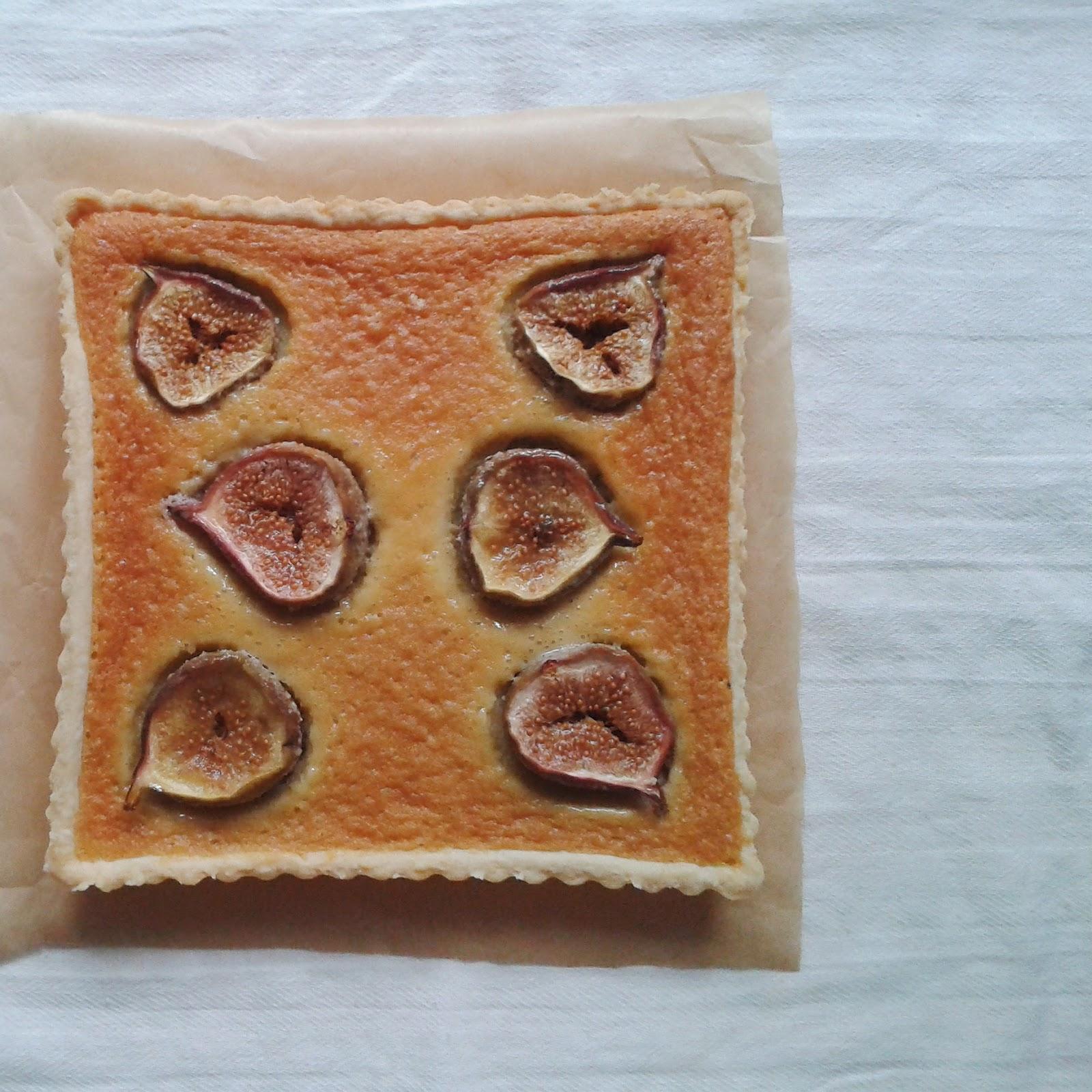 Cake2U: Fig and Almond Custard Tart