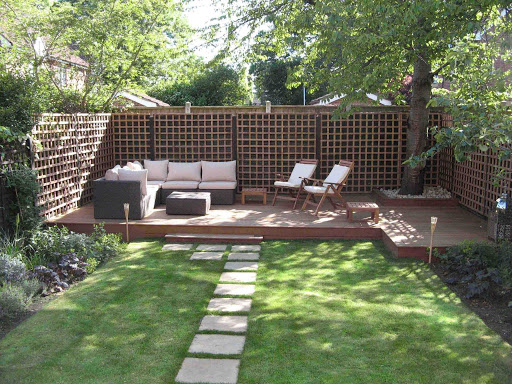 Shade and cool backyard design ideas for Cool back garden designs