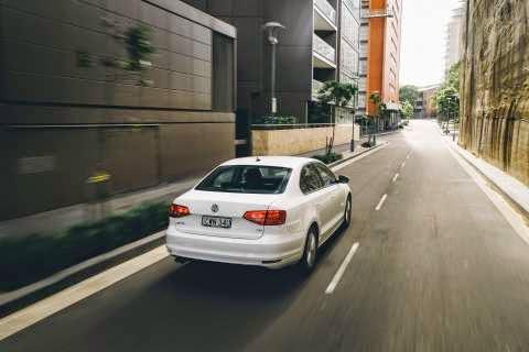 Volkswagen Jetta Trendline driving