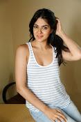 Sakshi Chowdary dazzling photo shoot-thumbnail-6