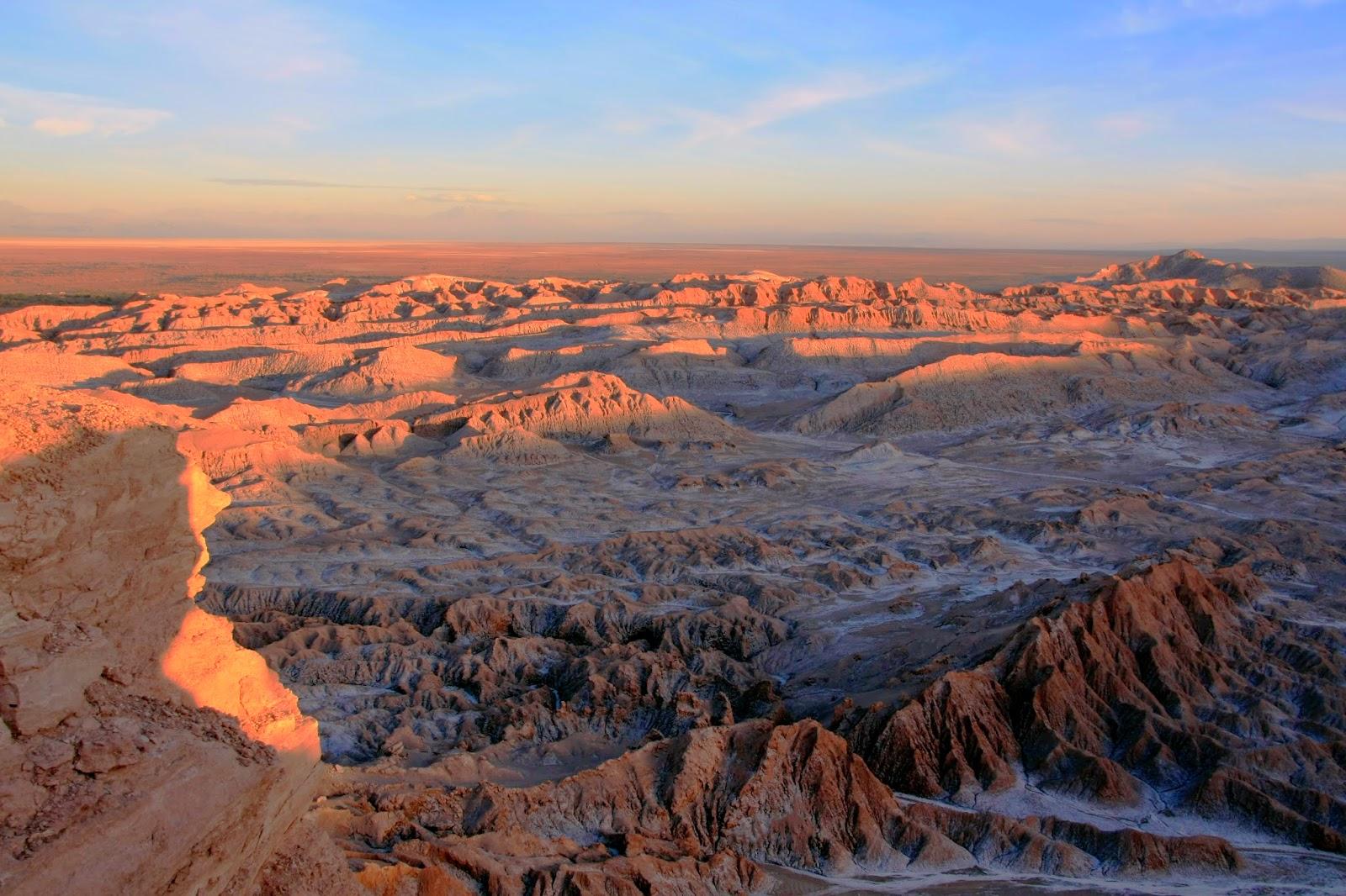 Atardecer en el Valle de la Luna - Atacama