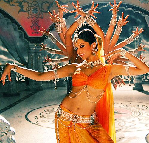 Deepkia Dancing in Om Shanti Om