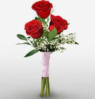 Kirim Hand Bouquet Untuk Syuting Foto Pre Wedding Ke Museum - museum Klasik di Jakarta