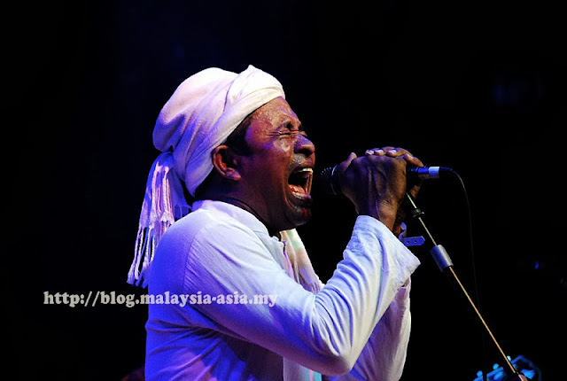 Rafly Wa Saja at the Rainforest World Music Festival 2013