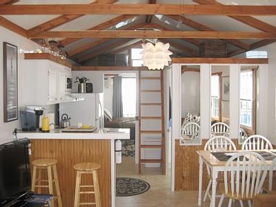 Relaxshackscom HouseboatsFloating Tiny Homes FOR RENT in Boston