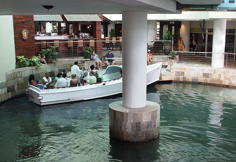 Merkki Laukkuja : Aruba one happy island matka i vaihda vapaalle