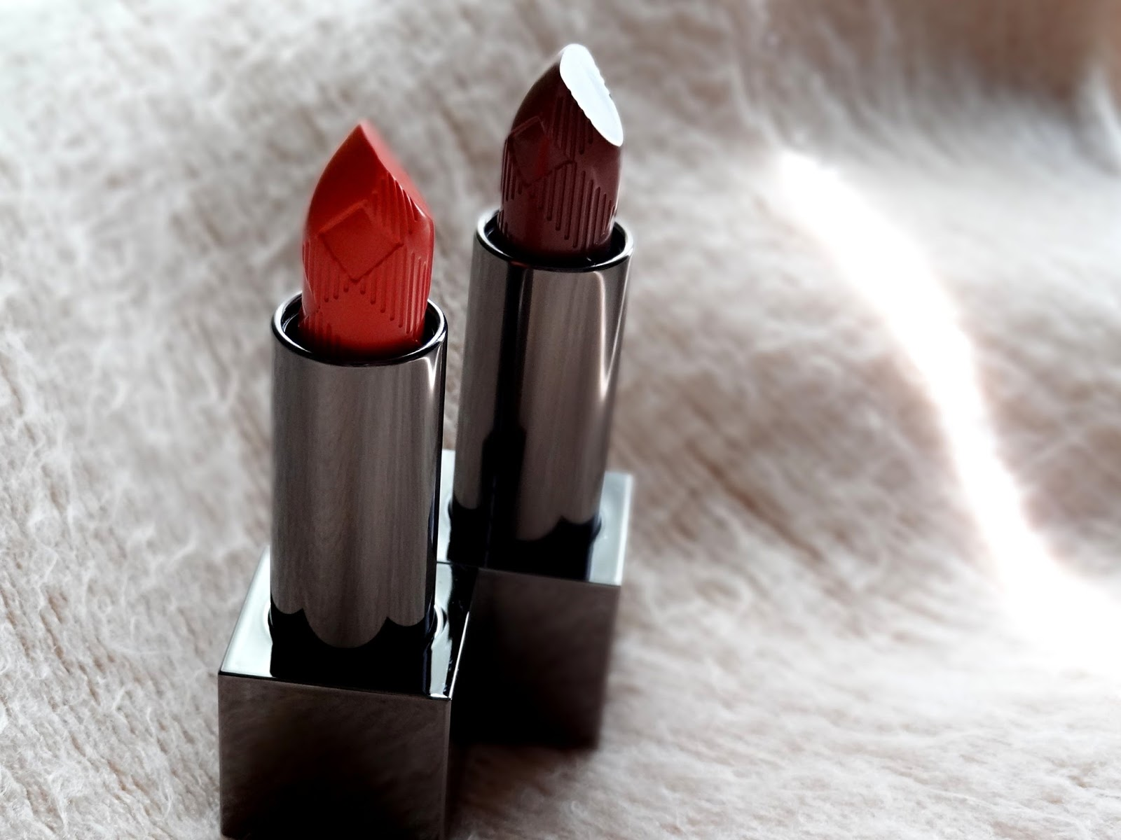 Burberry Kisses Lipsticks in Rose Blush, Coral Pink Review, Photos & Swatches