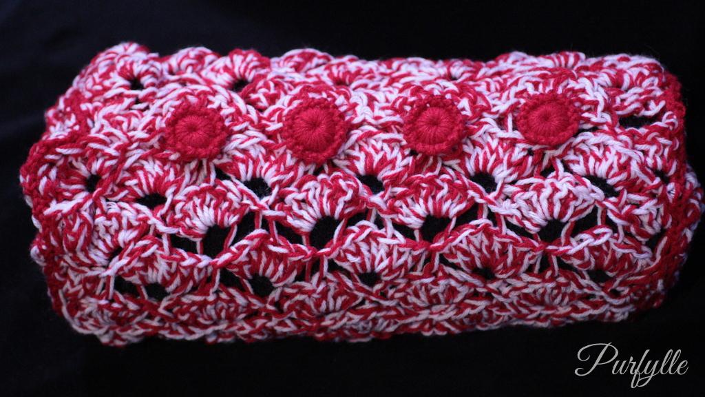 crochet buttons on cushion