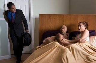 mujer infiel cama