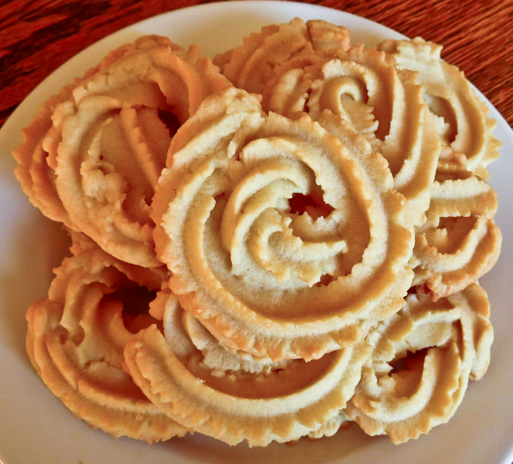 OnTheMove-In the Galley: Classic Spritz Cookies
