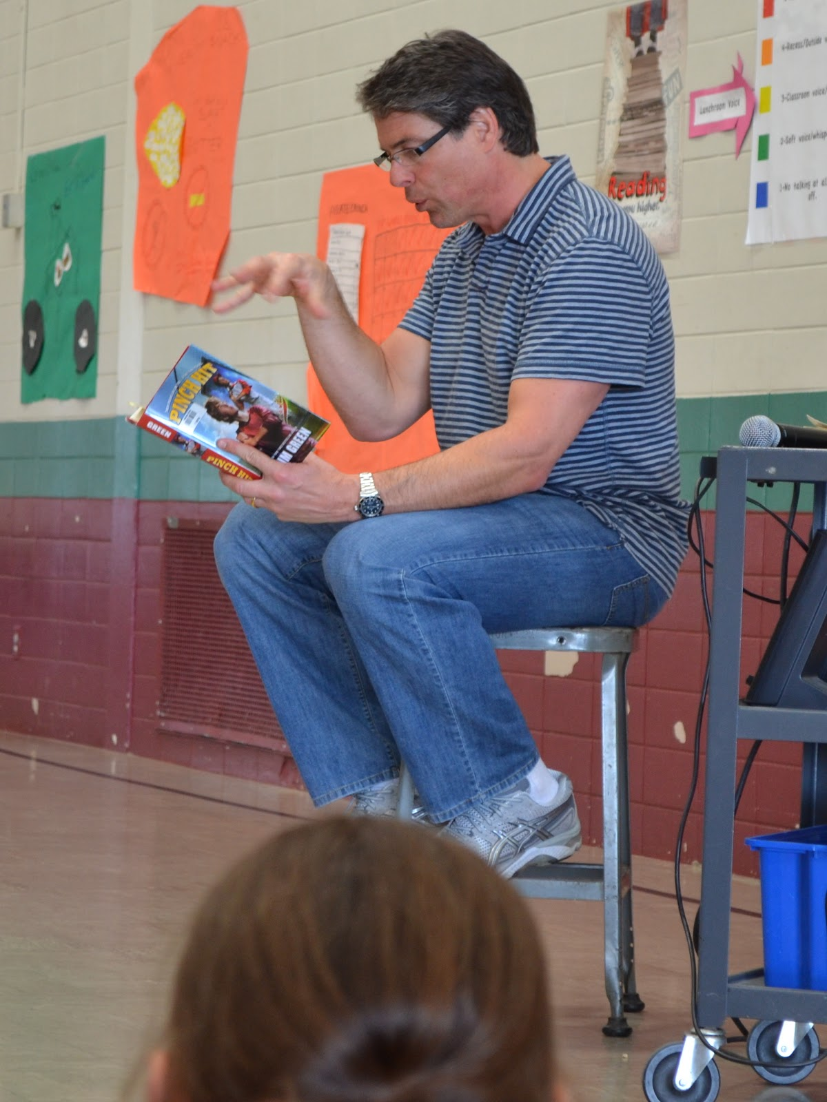mike lupica travel team book report To view it, click in the book travel team by mike lupica the main character in danny one of my special children was reading this book for a book report.