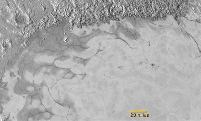 Geleiras aparecem em Plutão pode existir vida lá