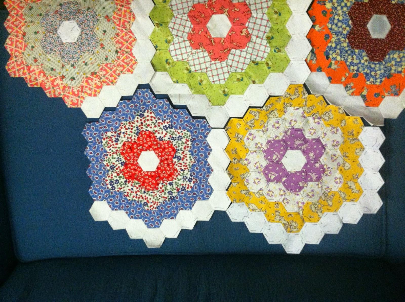 Hexagons - Grandmother's Flower Garden - Hand Piecing