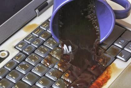 طرق انقاذ الكمبيوتر او اللاب توب عند انسكاب السوائل عليه !!!! - اللابتوب