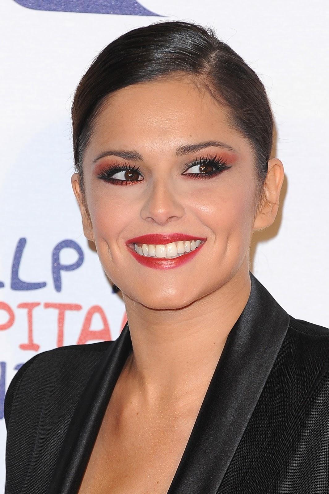 http://4.bp.blogspot.com/-nLER-O9UBII/UMWEpXNSGsI/AAAAAAABOAk/jfVZ1xJdqrA/s1600/Cheryl-Cole-hot+(4).jpg