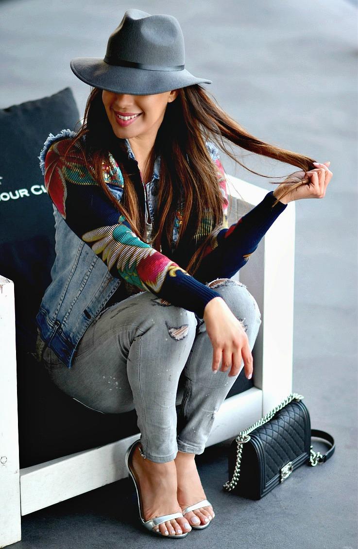 Floral denim jacket, Desigual, Grey outfit, Chanel Boybag, Amsterdam Harbour club, TC Style Clues,