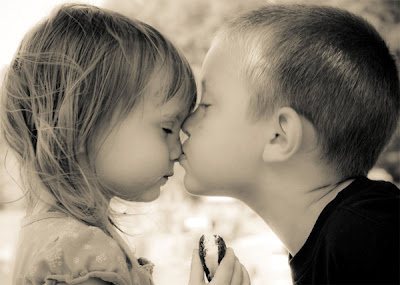 Child Love Wallpaper