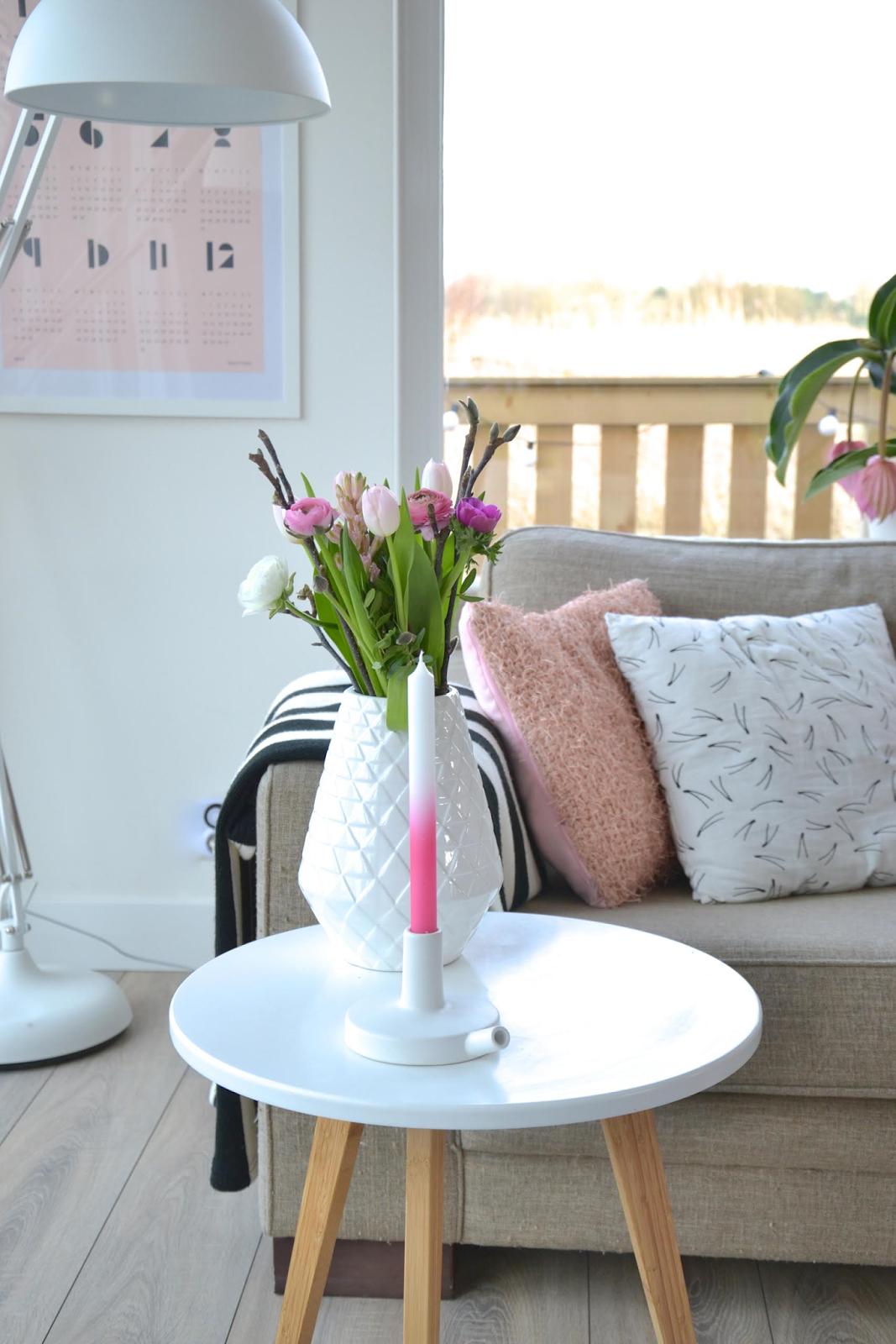 Scandinavische eetkamer roze vloerbedekking slaapkamer tapijt vloeren trappen van hout en - Eetkamer interieur decoratie ...