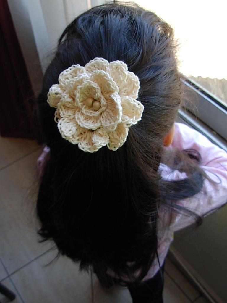 EL ARTE DE TEJER Flores de Hilo de Algodon tejidas a Crochet , Hebillas para el cabello