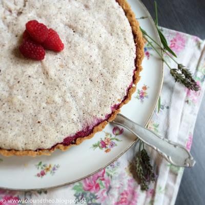 Kuchen / Vintage Kuchenplatte / Greengate Geschirrtuch / Lavendel