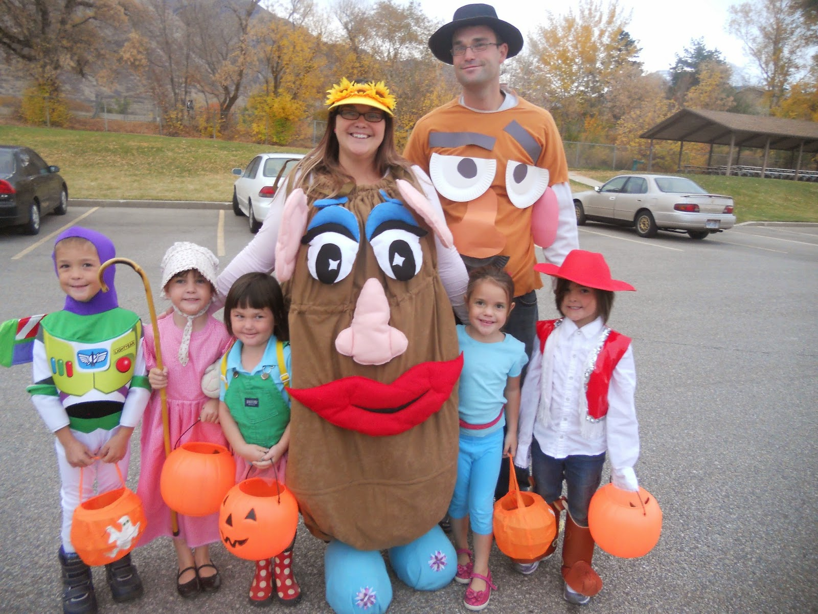i borrowed mrs potato head from a friend but her mom sewed the entire thing so it can be made i did my husbands mr potato head costume