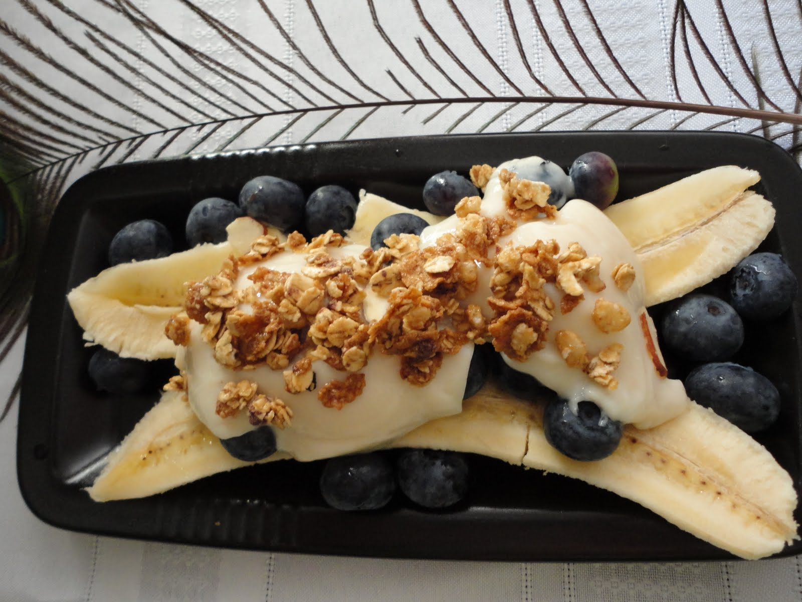 What a Healthy Family Eats: Breakfast Banana Split