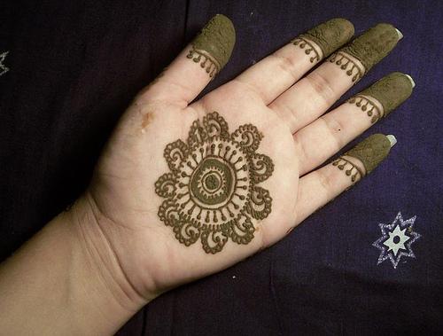 Hand Mehndi Tips : Easy mehndi designs for beginners female oke tips