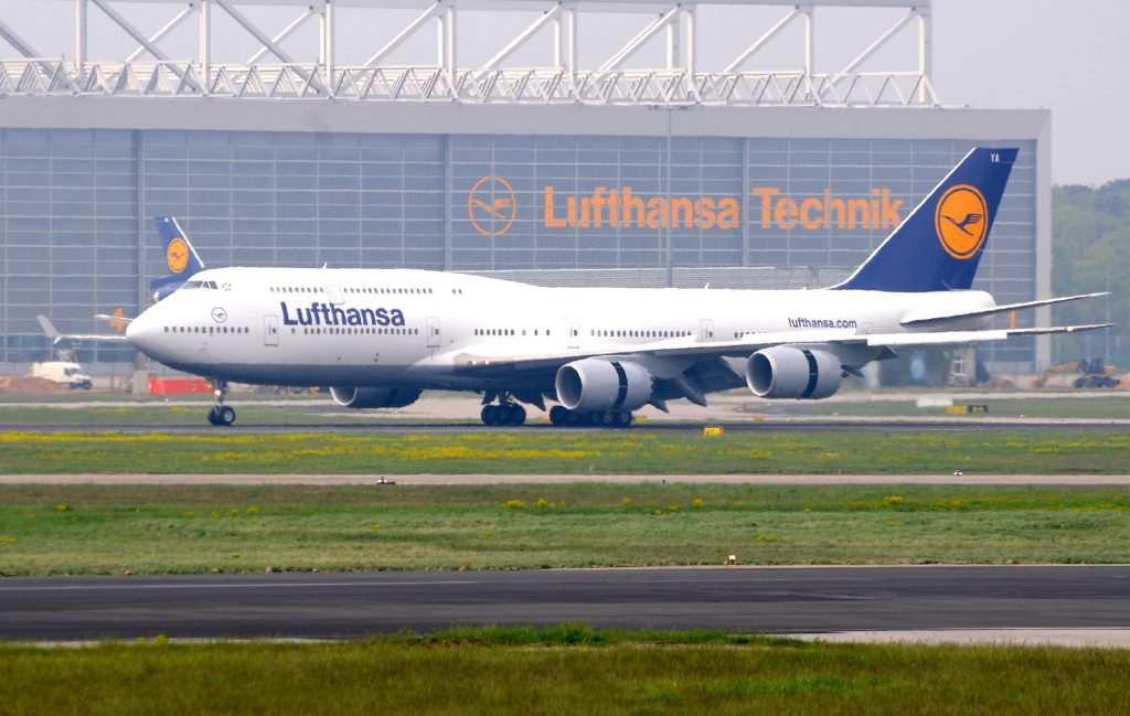 boeing 747 8 intercontinental lufthansa aviation worlds. Black Bedroom Furniture Sets. Home Design Ideas