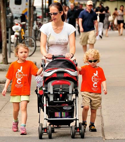4 lưu ý trước khi chọn mua xe đẩy cho bé.