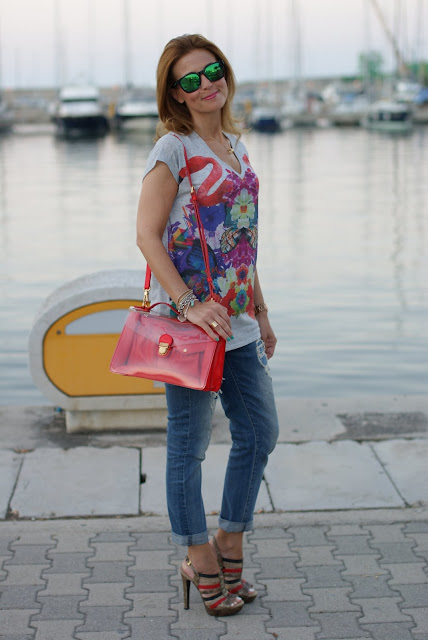 Summer outfit, flamingo blouse, Loriblu shoes, Marc by Marc Jacobs transparent bag, Fashion and Cookies