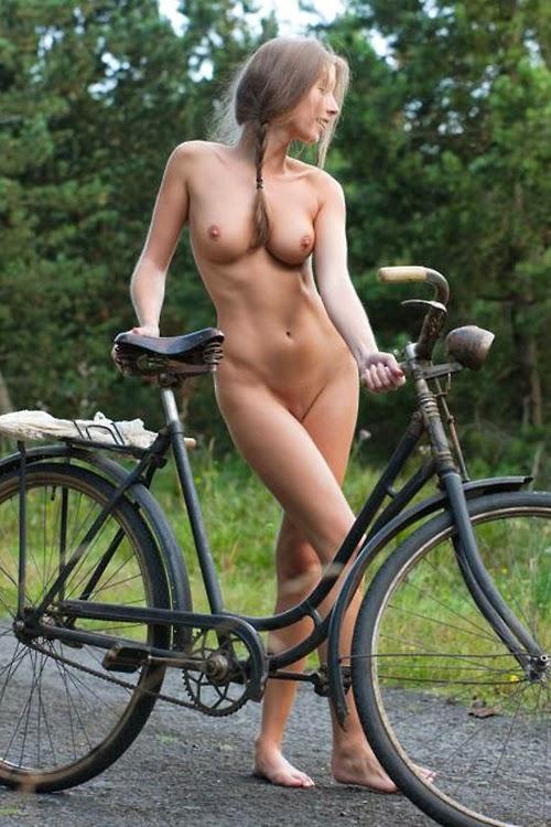 Фото голые велосипедистки 24405 фотография