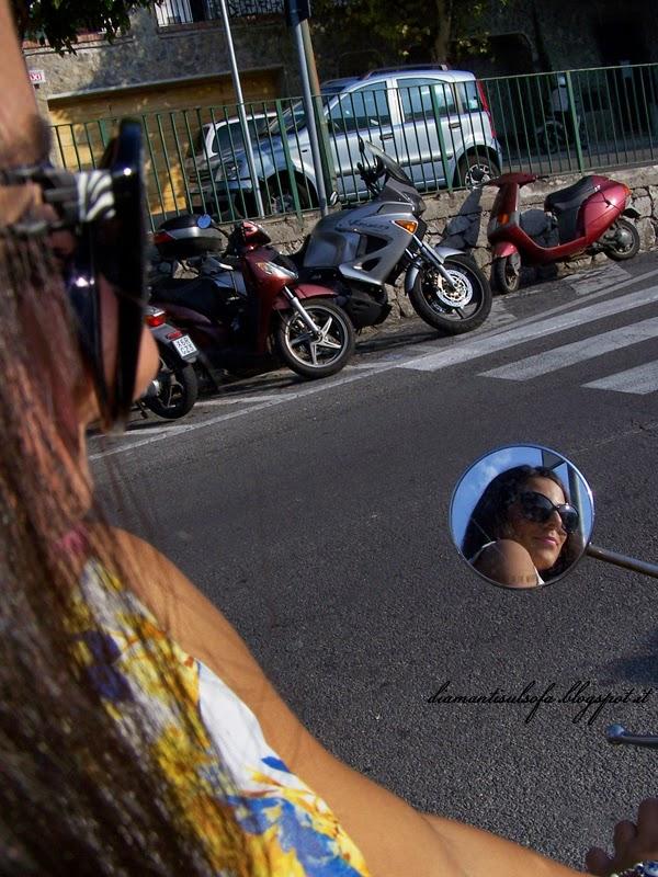 ravello-outfit-specchio-moto
