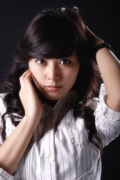 Galeri Foto Neshia Sylvia - Presenter Cantik Indonesia
