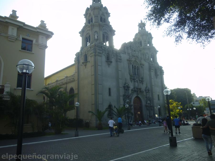Iglesia Medalla Milagrosa Miraflores Lima