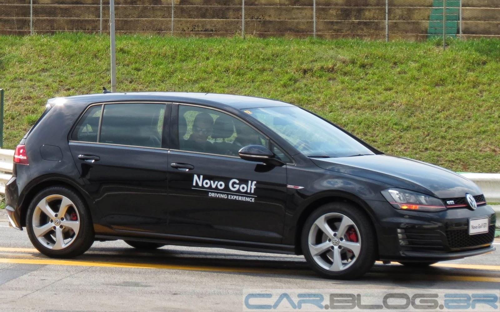 MINI Cooper 5 portas x Golf GTI